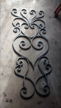 Flowing curves and points, gracefully arranged. Going to be a beautiful door. Wrought Iron Decor, Wrought Iron Gates, Metal Projects, Metal Crafts, Metal Bender, Iron Gate Design, Metal Gates, Steel Art, Iron Furniture