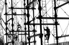 Gianni Berengo Gardin Aeroporto internazionale Kansai, Osaka, 1993, (Arch. Renzo Piano) Stampa su carta fotografica (VINTAGE PRINT), 30,4x40,5 cm Copyright: Gianni Berengo Gardin / Courtesy: Collezione Francesco Moschini e Gabriel Vaduva A.A.M. Architettura Arte Moderna