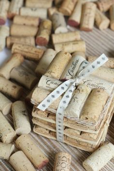 64 DIY ideas to give new life to cork Wine Craft, Wine Cork Crafts, Wine Bottle Crafts, Diy Projects To Try, Crafts To Make, Fun Crafts, Welding Projects, Wine Cork Projects, Wine Bottle Corks