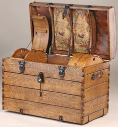 Antique Steamer Trunk with Interior Lined Traveler World Map and Camel Back Wood Cargo Cases - Ideas for my Chest of Treasured Prayers art journal Vintage Trunks, Vintage Suitcases, Vintage Luggage, Vintage Travel, Antique Trunks, Vintage Steamer Trunk, Steampunk Accessoires, Wood Trunk, Campaign Furniture