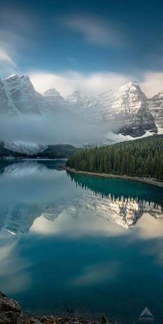Look at these 15 awesome pictures of the world #nature #wild #photography #photo #picture #mountainouslandforms #nature #mountain #reflection #atmosphericphenomenon