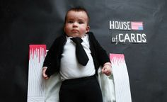 """The mother of the little Olivia has decided to pay tribute to his favorite TV series disguising her baby & using handmade decorations. Breaking Bad, Game of Thrones, True Detective, Walking Dead, & House of Cards with the help his friend photographer Karen Abad."""