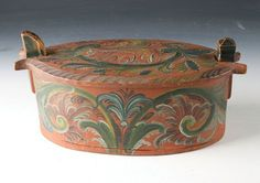 Norwegian Rose Painted Container made of Wood (Tine) from Setesdalen from 1800s - L.32cm - NOK 1.900