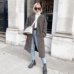 OLIVIA ROSE (@oliviarose) • Photos et vidéos Instagram Boyish Style, Olivia Rose, Duster Coat, Normcore, Photos, Photo And Video, Instagram, Jackets, Clothes