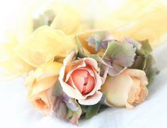 リストブーケ アンブリッジローズと秋色アジサイ : 一会 ウエディングの花