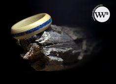 Mira este artículo en mi tienda de Etsy: https://www.etsy.com/es/listing/241828422/boxwood-ring-with-lapislazuli-inlay