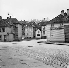 Nøstegaten sett mot St. Hansstredet og Vestre Muralmenning fra marcus.uib.no