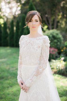 Wedding Dress: PreOwnedWeddingDresses.com - http://www.stylemepretty.com/portfolio/preownedweddingdresses-com Photography: Rebecca Arthurs - rebecca-arthurs.com   Read More on SMP: http://www.stylemepretty.com/2016/03/21/elegant-intimate-glen-manor-wedding/