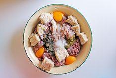 Σουτζουκάκια Πολίτικα Hamburger Meat Recipes, Pot Roast, Ethnic Recipes, Food, Carne Asada, Hamburger Steak Recipes, Roast Beef, Eten, Meals
