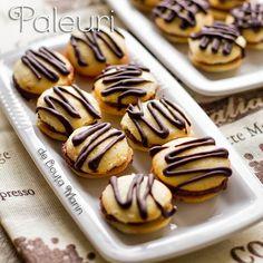Din bucătăria mea: Paleuri Romanian Food, Romanian Recipes, Something Sweet, Doughnut, Macarons, Almond, Cooking Recipes, Sweets, Cookies