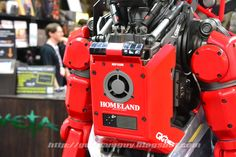 MECHA GUY: Homeland Security robot from Elysium - On Display @ San Diego Comic Con (SDCC) 2013