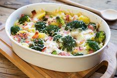 Broccoli, potato and smoked ham gratin Nutritious Meals, Healthy Snacks, Vegetarian Snacks, Crockpot Recipes, Vegan Recipes, Snacks Recipes, Easy Smoothie Recipes, Healthy Smoothie, Smoked Ham