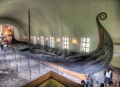 The Viking Ship Museum houses three ships found in large burial mounds in the Oslo fjord region. The best-preserved Viking ships in existence, each contained a wealth of material, both decorative and utilitarian, dating back up to 1200 years. In Oslo! Places To Travel, Places To Visit, Tourist Places, Les Fjords, Viking Culture, Viking Life, Norway Travel, Viking Ship, Interesting History