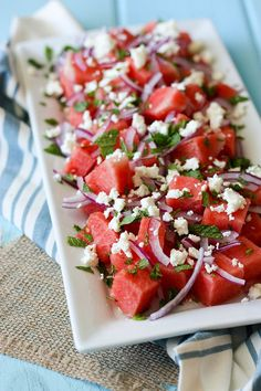 This watermelon mint feta salad combines the tanginess of red onion and balsamic vinegar to bring together fresh summer flavours. Watermelon Mint Feta Salad, Kitchen Recipes, Cooking Recipes, Vegetarian Recipes, Healthy Recipes, Delicious Recipes, Pasta, Summer Salads, Summer Food