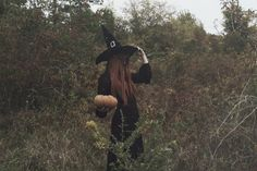 Autumn Aesthetic, Witch Aesthetic, Pentacle, Wicca, Autumn Witch, Autumn Cozy, Autumn Harvest, Witch Photos, Halloween Photography