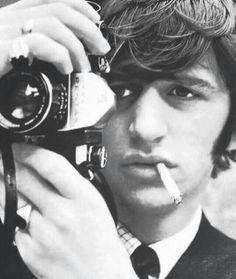Not Only a Drummer of The Beatles, 37 Vintage Photographs That Show Ringo Starr as a Photographer Foto Beatles, Beatles Love, Les Beatles, Beatles Photos, Ringo Starr, George Harrison, Paul Mccartney, John Lennon, Richard Starkey