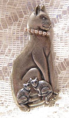Vintage Silver Tone Mother Cat Brooch by Kats Creations