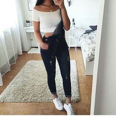 Fashionistas, fall outfits, crop top outfits, outfits for teens, trendy . Outfits For Teens, Trendy Outfits, Junior Outfits, Chic Outfits, Looks Style, My Style, Teen Fashion, Fashion Outfits, Fashion News