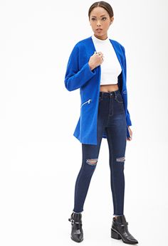 Shop the latest women's high waisted jeans at Forever 21 to carry you through every season. Get inspired by high rise jeans in every style! Cut Out Jeans, Forever 21 Outfits, Distressed Skinny Jeans, Latest Trends, Clothes For Women, Denim, Tees, How To Wear, Shopping