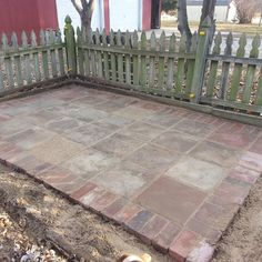 Inspiration for a one day project- leveling part of the backyard for a patio and fire pit area. Love this one because then casual brick paths in the rest of the yard would coordinate. Backyard Fences, Backyard Projects, Backyard Bbq, Walkway Garden, Brick Paver Patio, Patio Slabs, Wood Patio, Diy Patio, Patio Ideas