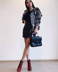 chic outfit ideas, red boots black mini skirt black bag outfit Source by michellezefer ideas videos Black Skirt Outfits, Winter Skirt Outfit, Winter Outfits, Office Outfits, Chic Outfits, Trendy Outfits, Fashion Outfits, Red Boots, Latest Outfits