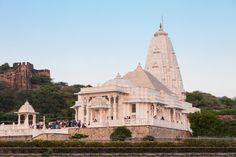 Birla Mandir Temple – The Birla Mandir Temple is a sacred Hindu temple dedicated to Lord Vishnu and Goddess Laxmi that was built by the famous and affluent Birla family.