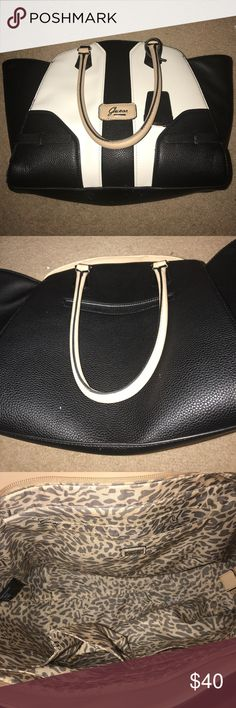 Great condition Guess shoulder bag Overall in great condition Guess Bags Shoulder Bags