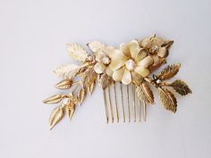 Brass flowers and leaves comb with freshwater by mignonnehandmade