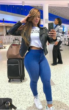 Thick Girl Fashion, Curvy Women Fashion, Corpo Sexy, Summertime Girls, Pernas Sexy, Casual Wear Women, Curvy Hips, Pretty Black Girls, Sexy Jeans