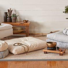 Meditation Corner, Meditation Room Decor, Meditation Space, Yoga Meditation, Meditation Cushion, Meditation Supplies, Home Yoga Room, Zen Space, Decoration