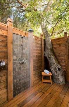 LOVE the out door shower:)