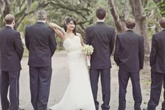 Love this wedding photo.