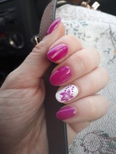 Mardi Gras violet and white nails for spring