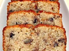 Moist Pecan Almond Loaf Cake The flavor combo is just divine: Moist Pecan Almond Loaf Cake. The flavor combo is just divine. Freezer friendly and great with a cup of tea or to give as gifts! Best Pound Cake Recipe, Pound Cake Recipes, Almond Bread, Almond Cakes, Dessert Bread, Dessert Recipes, Desserts, Cherry And Almond Cake, Pecan Cake