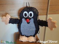 Egyedi  piñata (pinyáta) (mangyal0403) - Meska.hu Hobbit, Snowman, Disney Characters, Fictional Characters, Marvel, Christmas Ornaments, Holiday Decor, Birthday, Pink