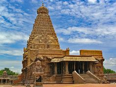 Read about Tamil Nadu points of interest. Find out about Tamil Nadu temples tourist places, famous temples in Tamil Nadu and more.