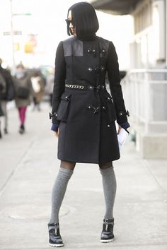 Pin for Later: 10 Tricks Real Girls Use to Stay Warm in Style Top Your Tights With Tall Socks Tall Girl Fashion, Star Fashion, Fashion Outfits, Fashion Hacks, Nyfw Street Style, Street Style Looks, Tall Socks, Knee Socks, High Socks