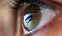 "Facebook Is Helping People With Blindness ""See"" the Photos on Their Walls"