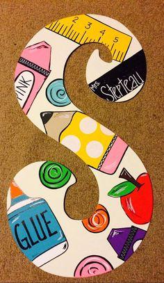 Fun Craft, Craft Gifts, Diy Gifts, Diy Presents, Teacher Doors, Teacher Signs, Best Teacher Gifts, Personalized Teacher Gifts, Teacher Stuff