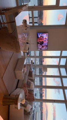 Blick auf New York ✨ - Room - Haus Design Dream Home Design, Home Interior Design, My Dream Home, Interior Plants, Dream Life, Dream Apartment, Apartment View, Small Apartment Bedrooms, Chicago Apartment