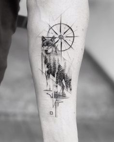 ▷ 1001 + ideas for a beautiful and meaningful compass tattoo - wolf tattoos - . - ▷ 1001 + ideas for a beautiful and meaningful compass tattoo – wolf tattoos – - Compass Tattoo Meaning, Tattoos With Meaning, Wolf Tattoo Meaning, Body Art Tattoos, Sleeve Tattoos, Wing Tattoos, Tattoo Drawings, Small Tattoos, Lone Wolf Tattoo