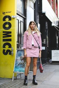 There are a number of reasons why the street style at London Fashion Week is incomparable. First and foremost, it's Londoners' DGAF attitude – just because it's torrentially raining, that won't stop someone from wearing a baby pink faux fur coat, platform sandals and tinted shades. Secondly, it's