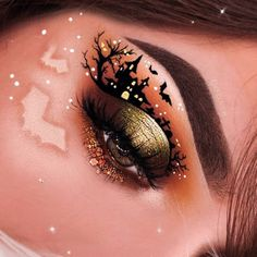 Welcome to Halloween Town 🦇🏰 Lena Lee let the bat out of the makeup bag wi… Welcome to Halloween Town 🦇🏰 Lena Lee let the bat out of the makeup bag with the Armed & Gorgeous, and Ring The Alarm palettes from Vault Collection. Halloween Eye Makeup, Halloween Eyes, Maquillaje Halloween, Holiday Makeup, Fall Makeup, Makeup Art, Beauty Makeup, Halloween Town, Makeup Inspiration