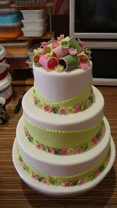 Classic Fresh colored wedding cake by CAKE Amsterdam - Cakes by ZOBOT, via Flickr