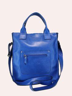 Bolso Bandolera en Azul Klein.  http://hervaspiel.com/tienda/complementos/199-bandolera-de-piel-azul-klein.html