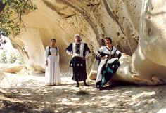 Rievocazione medioevale, con sfilata di dame e cavalieri, combattimenti e stand gastronomici. Ogni anno si festeggia il 1° Maggio.
