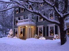 Farmhouse Christmas Decor, Country Christmas, Outdoor Christmas, Christmas Home, White Christmas, Christmas Ideas, Merry Christmas, Hallmark Christmas, Christmas Projects