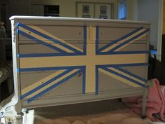 meg made designs: Painting a Union Jack/British Flag on a dresser tutorial Diy Furniture Projects, Furniture Makeover, Furniture Decor, Diy Projects, Acrylic Furniture, Hand Painted Furniture, Reclaimed Furniture, Repurposed Furniture, Refurbished Furniture