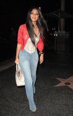 Flare Jeans meant for curvy figures? Hit or Miss? Nicole Scherzinger, Wide Leg Jeans, Trousers, Pants, Flare Jeans, Bell Bottoms, Bell Bottom Jeans, Curves, Women Wear