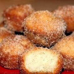 Donut Muffins - Mini muffins that taste just like cinnamon sugar doughnut holes! The secret ingredient is nutmeg,,